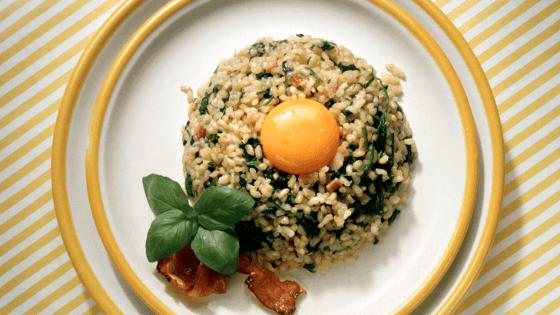 giảm cân với trứng và cơm gạo lức